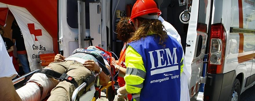 Transporte del enfermo crítico: terrestre, marítimo y del motor